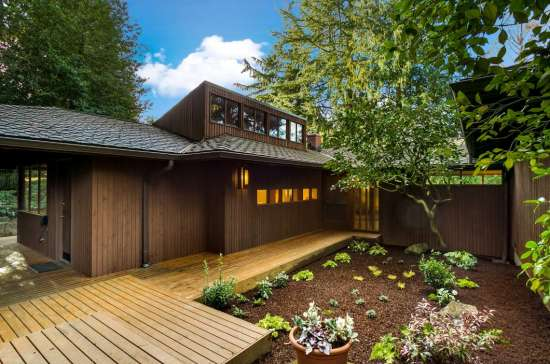 7 Holly Hill Dr, Mercer Island, WA