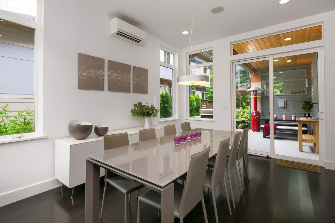 Dining Room & sliding door to outside patio