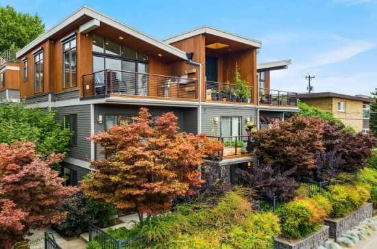 Northwest Modern Queen Anne Townhouse